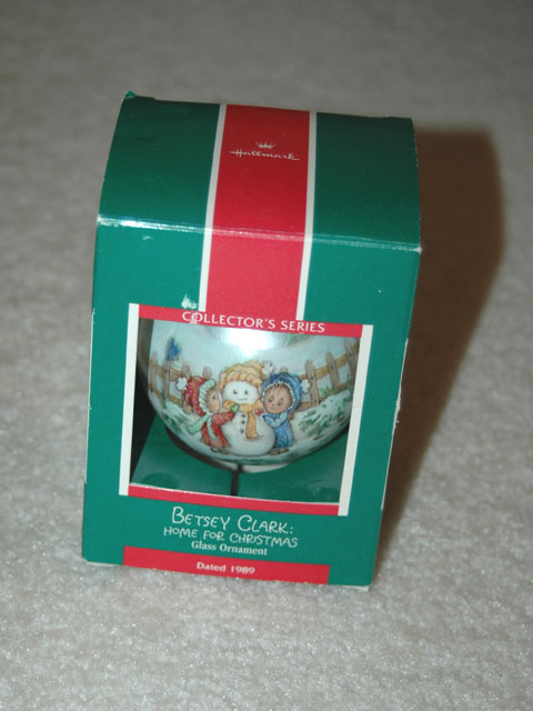 1989 Betsey Clark Home for Christmas Glass ornament