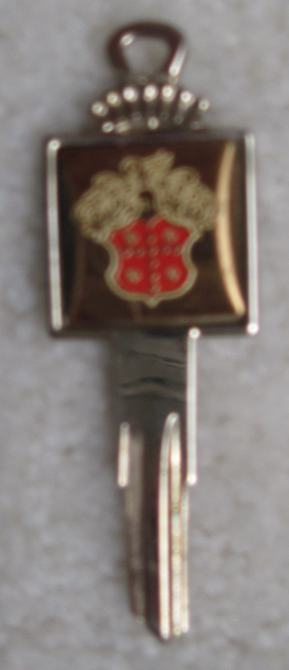 Car Keys :: Packard Crest