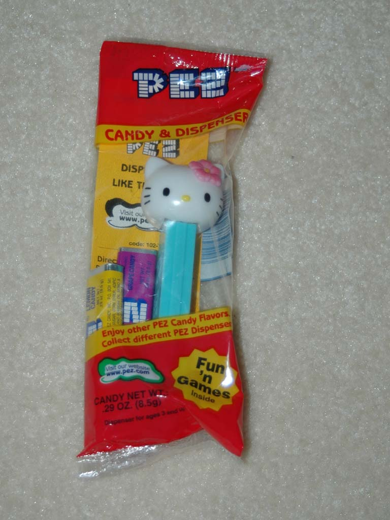 Hello Kitty Pez - Aloha Kitty